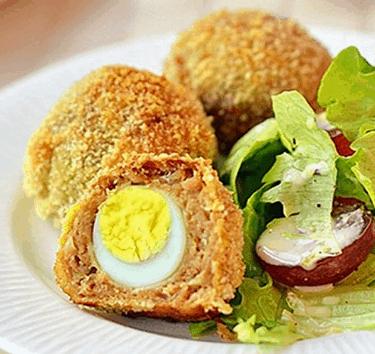 Thịt bọc trứng cút chiên kiểu Anh